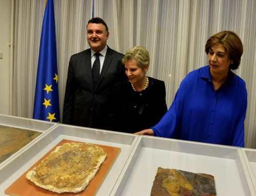 Four looted frescoes delivered to the Republic of Cyprus