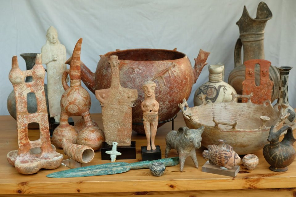 British collector to send antiquities back home